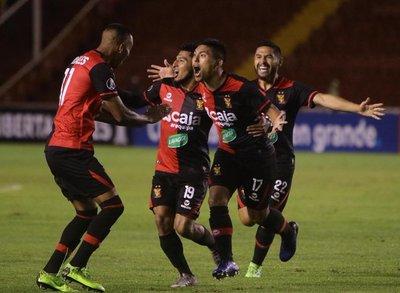 Melgar pasa al frente en la eliminatoria ante Caracas
