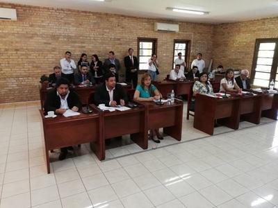 Asumen nuevos concejales en CDE y remiten a la Fiscalía dictamen de Llanes