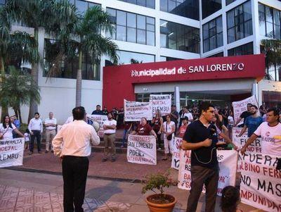 Exigen intervención de municipalidad de San Lorenzo tras renuncia de Ferrer