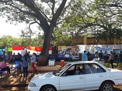 Sigue toma de colegio ante incumplimiento del MEC en Minga Guazú