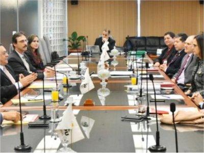 Brasil buscará pagar menos a Itaipú y a Paraguay, alertan