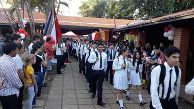 Así recibe el Colegio Nacional Pedro P Peña a sus alumnos – Prensa 5