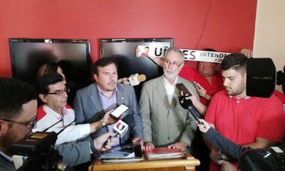 Inscriben candidatura de Ulises Quintana