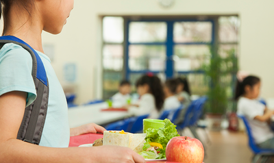 ¿Qué deben comer los niños que van a la escuela?