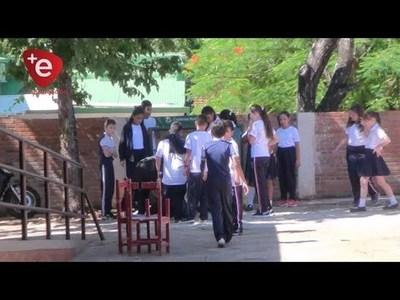 VUELTA A CLASES, PADRES Y DOCENTES ESPERANZADOS POR UNA MEJOR CALIDAD EDUCATIVA