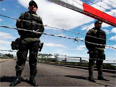 Maduro cierra frontera con Brasil y no descarta bloquear límites con Colombia