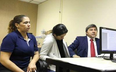 """Esposa de """"Cucho"""" Cabaña pide cumplir su arresto domiciliario en CDE"""