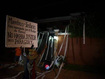 Escrachan al senador Enrique Bacchetta tras apoyo a Ulises Quintana