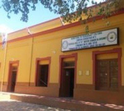 MEC no designó remplazo y alumnos iniciaron las clases sin maestros