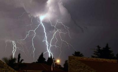 HOY / Tarde de domingo con posible tormentas eléctricas, fuertes ráfagas de viento y granizada