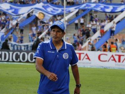 Rival de Olimpia queda sin técnico a nueve días de su debut