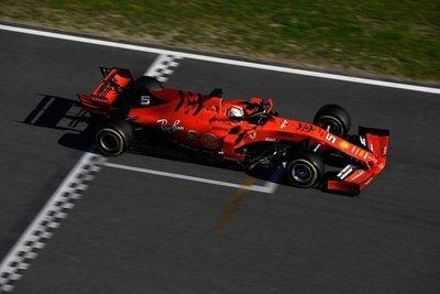 Contratiempos para Mercedes y Ferrari