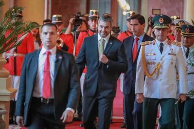 Jefe de Estado cumple su agenda en Palacio de Gobierno