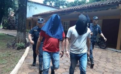 Policías procesados por supuesto secuestro a jardinero