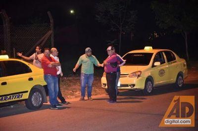 Taxista sufre asalto, delincuente huye a pie y patrullera no funciona