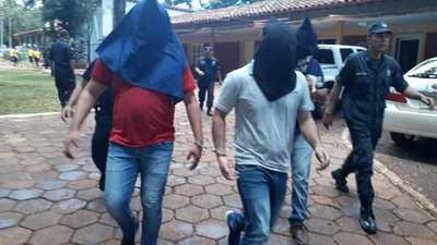 Fiscal imputa a tres policías por varios hechos punibles y requiere prisión