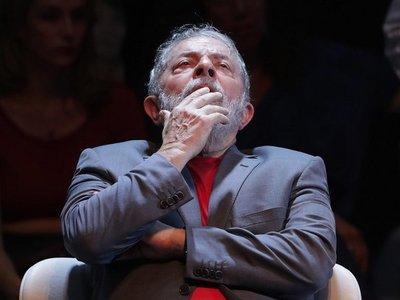 Autorizan a Lula a salir de prisión para entierro de su nieto