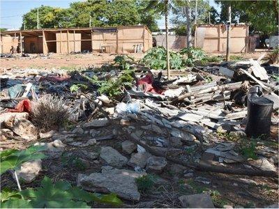 Damnificados dejan estructura rota y vertederos tras salida de refugios