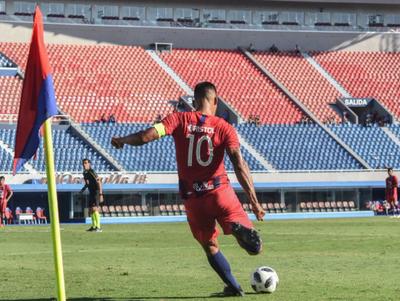Julio dos Santos se calza los botines y regresa tras lesión