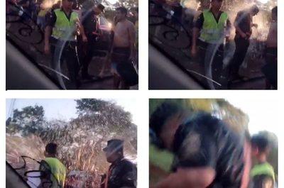 Agreden a policías durante carnaval de político