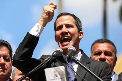 Crece presión contra Guaidó