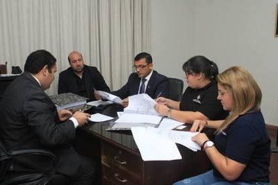 Incautan documentos contables de la Gobernación de Ñeembucú