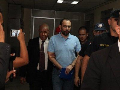 Confirman a Victoria Acuña y reiteran acusación contra Raúl Fernández Lippmann