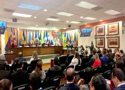 Arrom, Martí y familiares piden al Estado US$ 123 millones en total