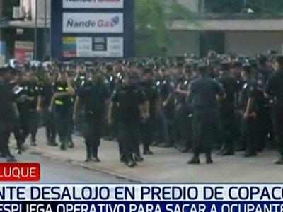 Policía inicia desalojo de familias en predio de Copaco