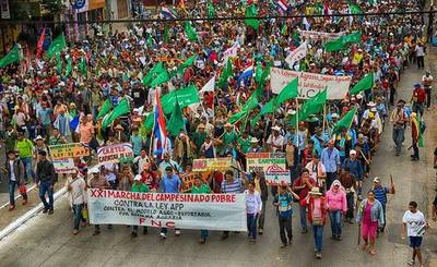 Ultiman organización de marcha campesina