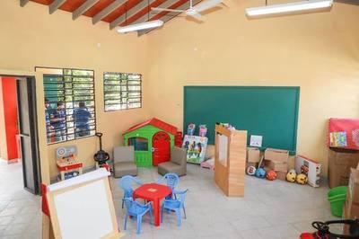 Los habitantes de Carayaó celebraron mejoras en escuela y colegio de la zona