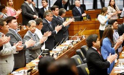 Diputados acusan a García por enriquecimiento ilícito