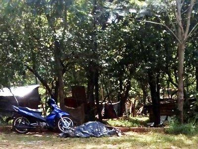 Vecinos de un barrio de CDE buscan recuperar plaza invadida hace  meses