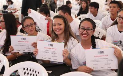 Convocan a becarios universitarios de ITAIPU para firmar Acuerdo de Compromiso Anual