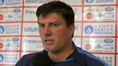 José Chamot asume como nuevo técnico de Libertad