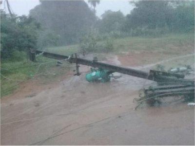 Vientos de 75 km/h causaron destrozos en Ñeembucú