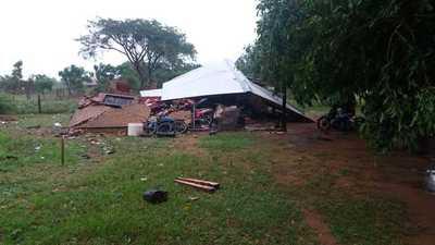 Temporal deja destrozos en la zona Sur del país