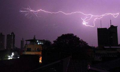 Tormentas eléctricas para esta noche