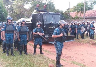 Se entrega dirigente que lideraba la ocupación del inmueble de Copaco