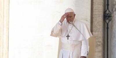 El papa inicia su séptimo año de pontificado marcado por crisis