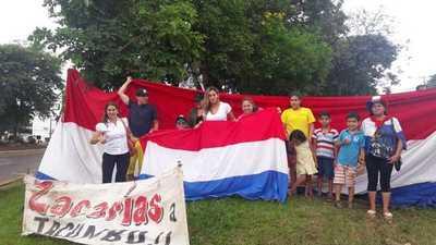 Ciudadanos esteños festejan decisión de la Fiscalía de pedir cárcel para Zacarías