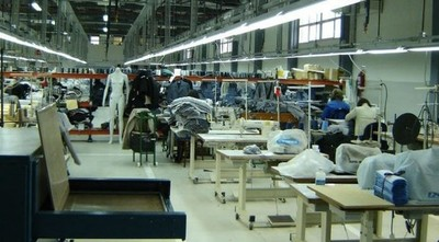 El contrabando y le recesión económica causan estragos a la industria textil