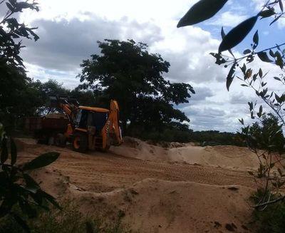 Denuncian extracción indiscriminada de arena del Tebicuary