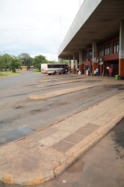 Exigen a empresa poner en condiciones terminal de buses