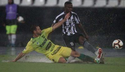 De vivir olvidado en una pensión, a pelear la Superliga argentina