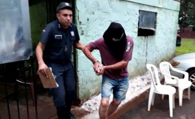 Detienen a pareja extranjera por tenencia de drogas