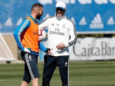 Zidane dirige su primer entrenamiento tras su regreso al Real Madrid