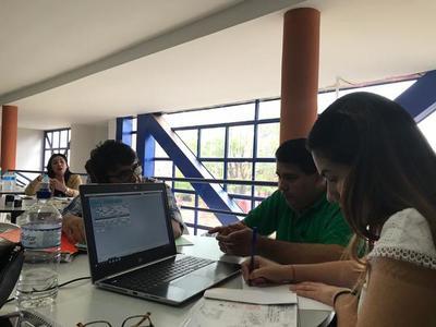 Catastro Móvil asistió a profesionales de Caaguazú