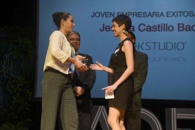 La ADEC premió a destacados