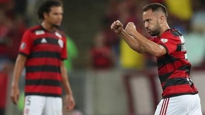 HOY / Flamengo vence a Liga de Quito y asume el liderato del Grupo D